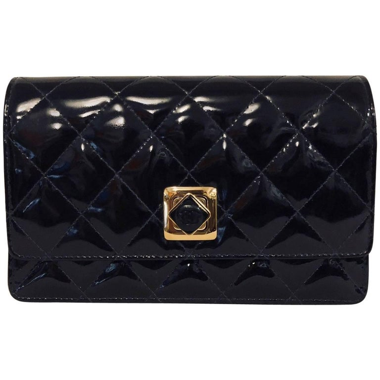 953ec26a9eb97 Chanel Black Patent Diamond Quilted Clutch Bag With Gold Tone Hardware