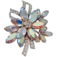 1960'S Austrian Crystal Rhinestone Silver Flower Brooch By, Weiss