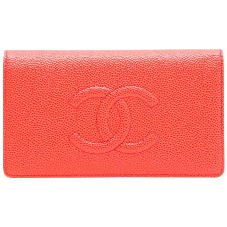 c1c069914a CHANEL Card Holder in Coral Grained leather