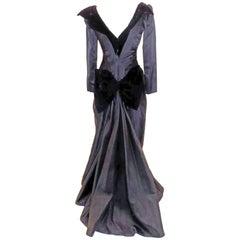 Oscar de la Renta Vintage  Black silk gown w velvet details