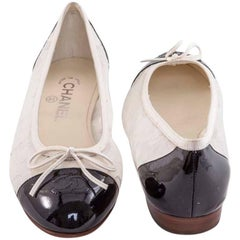 Chanel Ballerinas in Black Patent Leather and Beige Lace Size 38.5 C EU