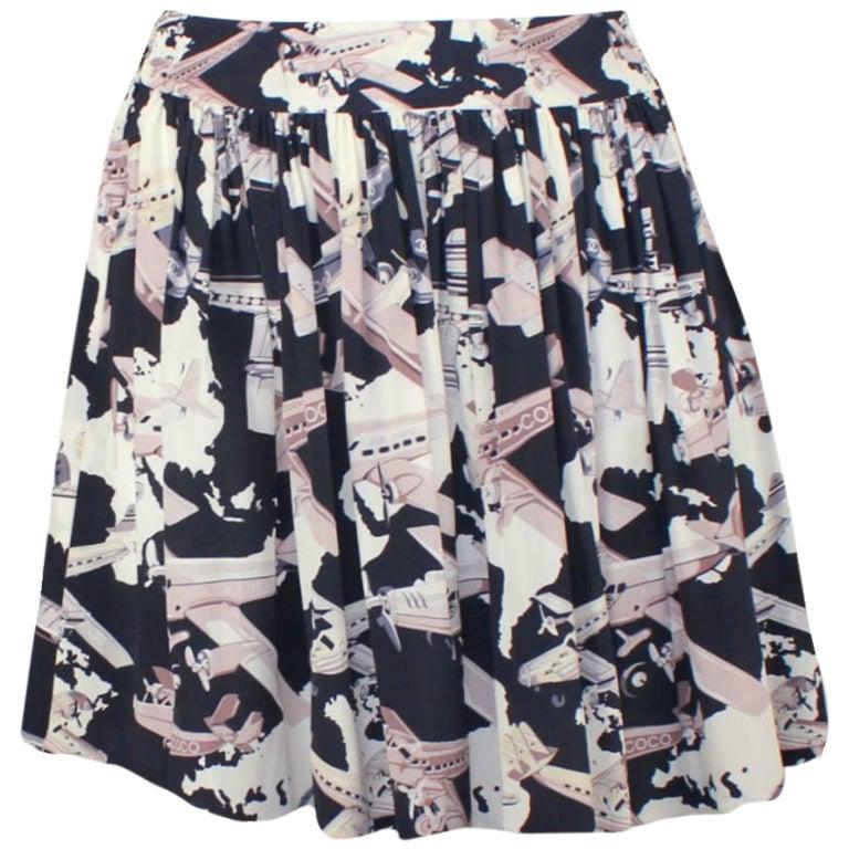 Superbe Chanel Pleated Silk CC Logo Chanel Air 5 Coco Skirt