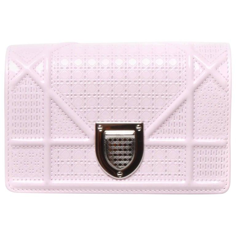 b8d3fbe26f18 Christian Dior Baby Pink Mini Diorama Bag at 1stdibs