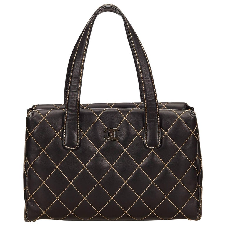 3dbb91ea3ba00e Lambskin Handbags For Sale. Woven lambskin with Patent Lambskin Leather  Shoulder Bag For Sale at 1stdibs. Chanel Black ...