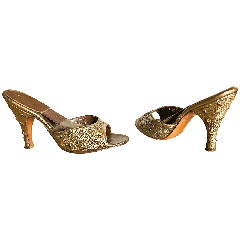 effcb0d762b8e 1950s Herbert Levine Bronze Gold Size 6 Ruby Red Rhinestone Springulator  Heels
