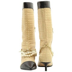 CHANEL Mid Boots in Beige Quilted Smooth Lamb Leather with Gilded Chain Size38