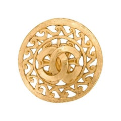 Chanel Gold Charm Filigree Textured Evening Statement Pin Brooch