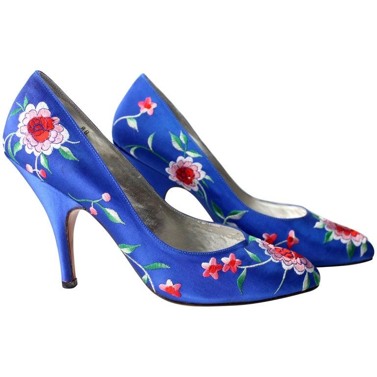 Norma Kamali Vintage Blue Satin Embroidered Floral Pumps For Sale