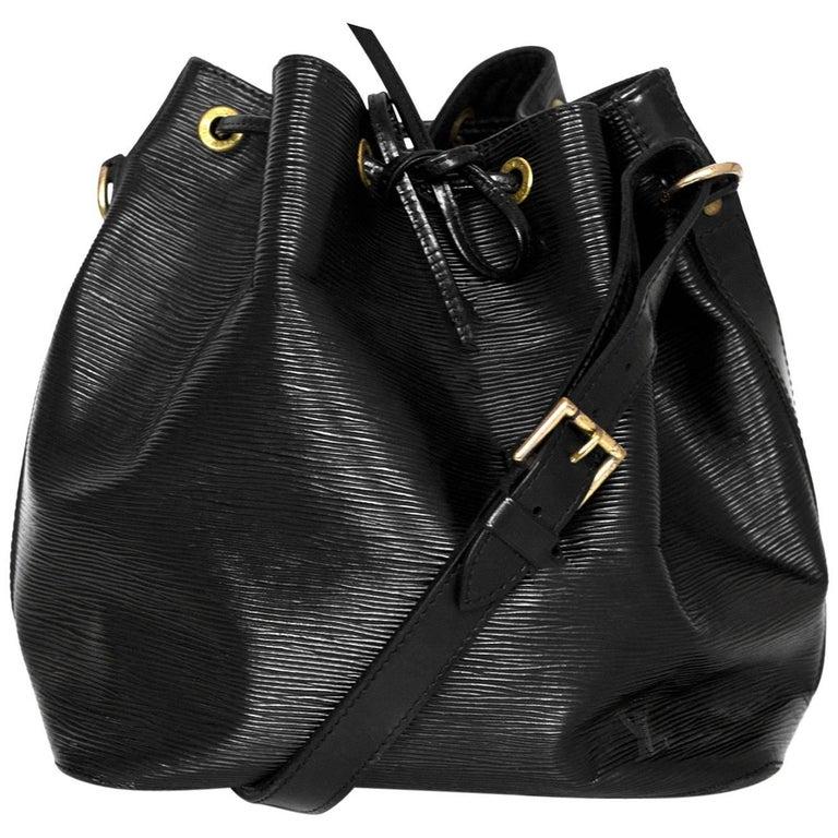 20392db3c11f Louis Vuitton Black Epi Petit Noe Bucket Bag For Sale at 1stdibs