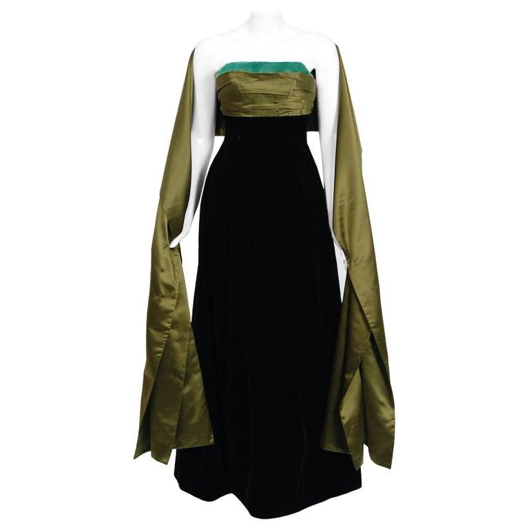 795402d89d7 1957 Pierre Balmain Haute-Couture Black Velvet Olive Silk Strapless Gown &  Shawl For Sale