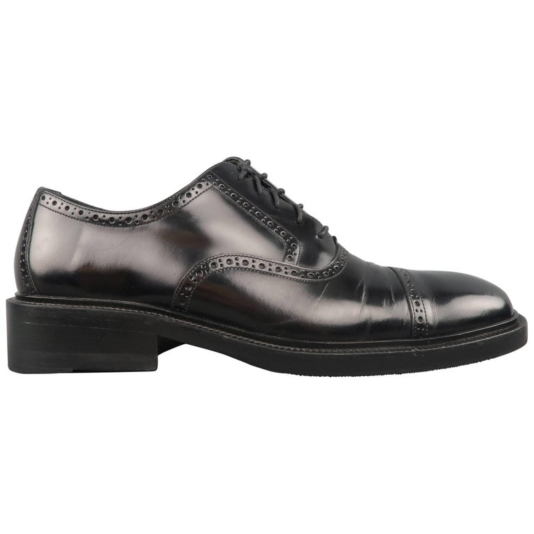 8681cf51606 Men s GUCCI Size 9 Black Perforated Leather Square Cap Toe Brogue Lace For  Sale