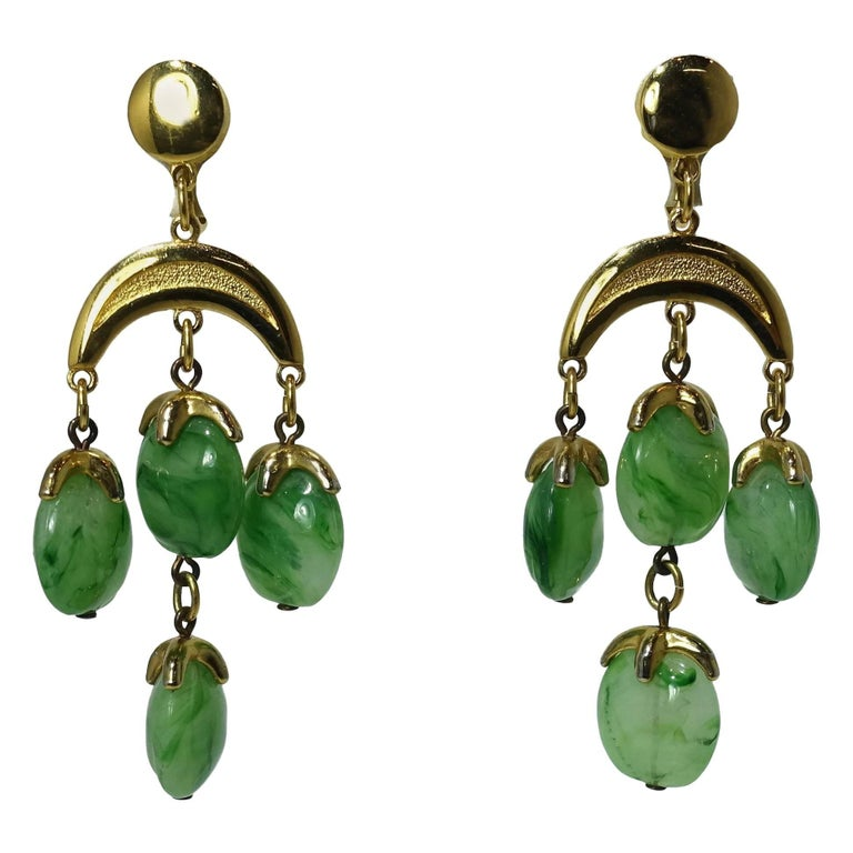 Vintage 1950s Trifari Green Dangling Earrings For Sale
