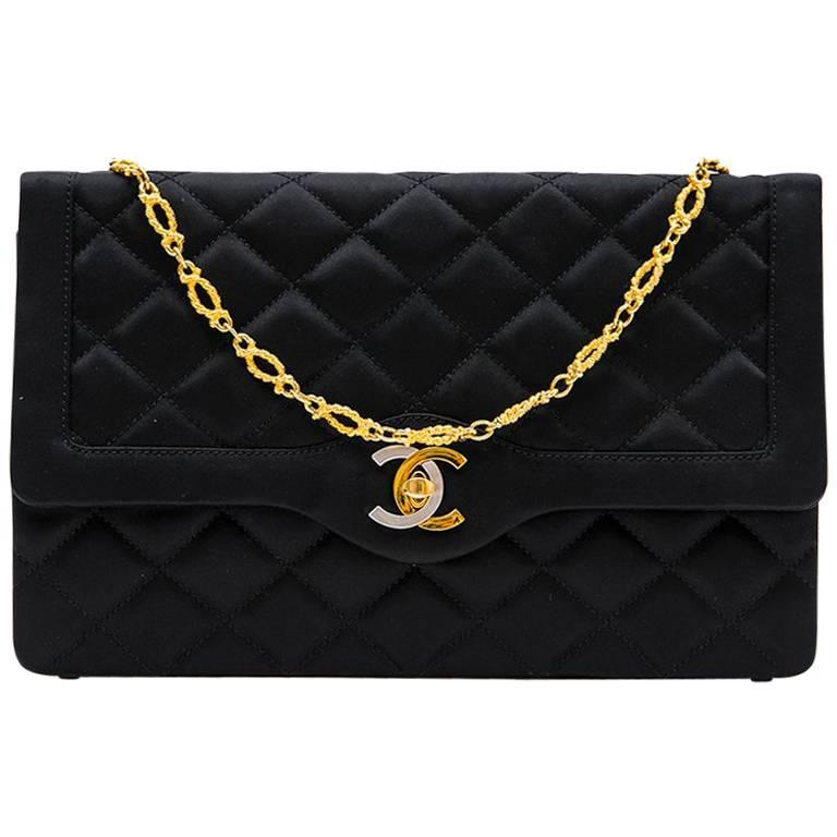 Chanel Couture Evening Bag In Black Silk Satin For