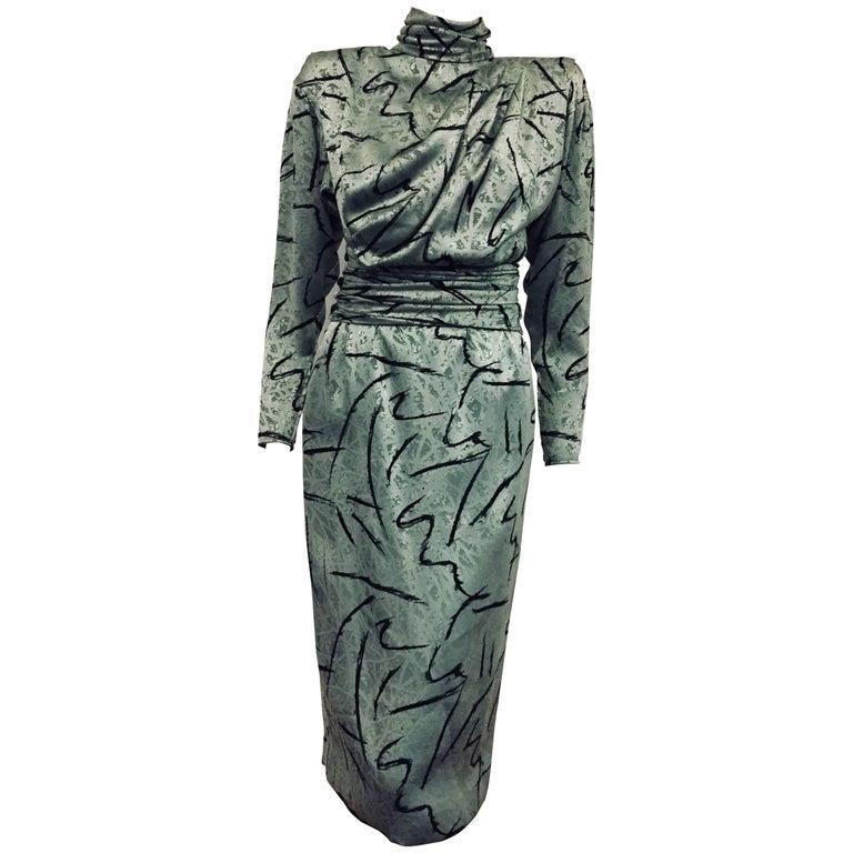 Elegant Emanuel Ungaro Sage Green Jacquard Long Sleeve Dress