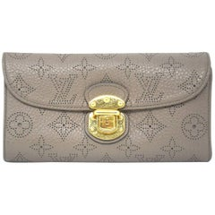 Louis Vuitton Mahina Portefeuille Amelia Taupe Wallet