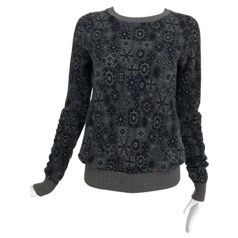 Chanel grey cashmere pull on sweater  For Sale