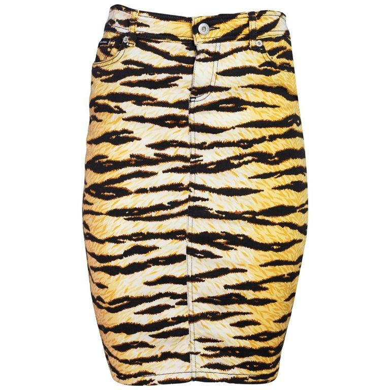 7b1ed844ac D&G Tiger Print Pencil Skirt Sz 26 For Sale at 1stdibs