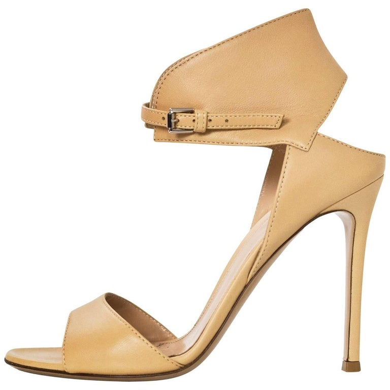 Gianvito Rossi Beige Leather Ankle Strap Sandals Sz 36.5