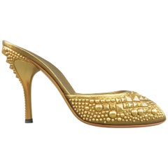 GUCCI Size 9.5 Gold Pyramid Studded Leather Peep Toe Mule