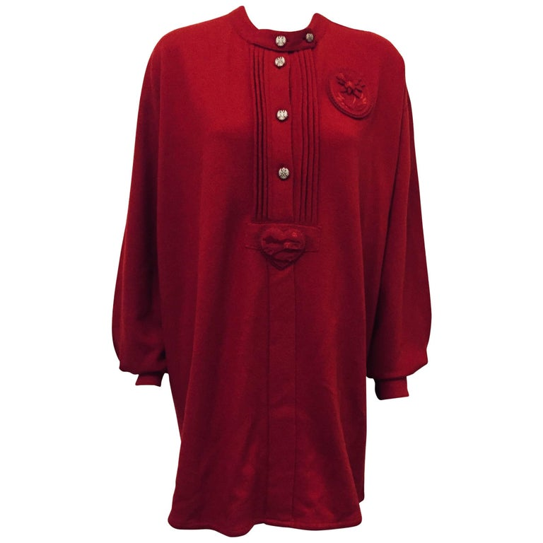Casual Chanel Cranberry 100% Wool Pullover With Bib Front Size 46 For Sale