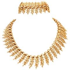 20th Century Gold Laurel Motif Necklace & Bracelet By, Lisner