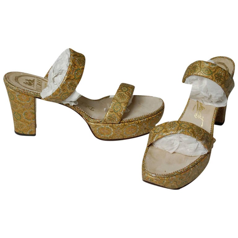 Delman Gold Paisley Leather Platform Sandals, 1940s For Sale