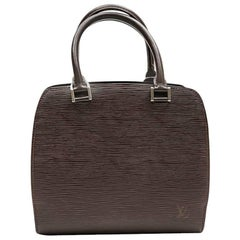 LOUIS VUITTON Bag in Brown Epi Leather