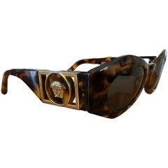 Gianni Versace Vintage Tortoise Sunglasses with Medusa 422 B COL 279