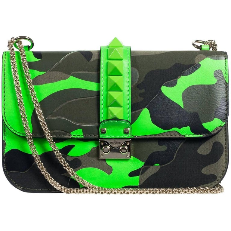 Valentino Women s Neon Green Camouflage Leather Rocklock Shoulder Bag For  Sale at 1stdibs f1f4e229e33bf