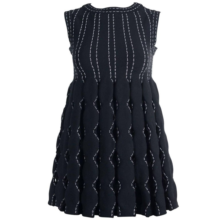 Alaia Women's Black Wool Blend Contrast Stitched Sleeveless Top For Sale