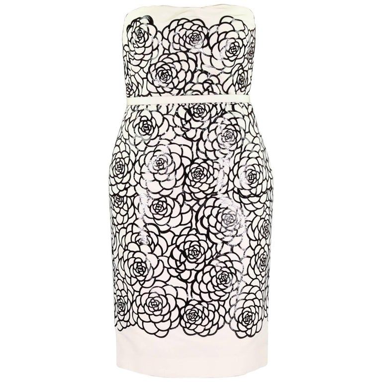ALEXANDER MCQUEEN Silk and Laser-cut patent-leather dress For Sale
