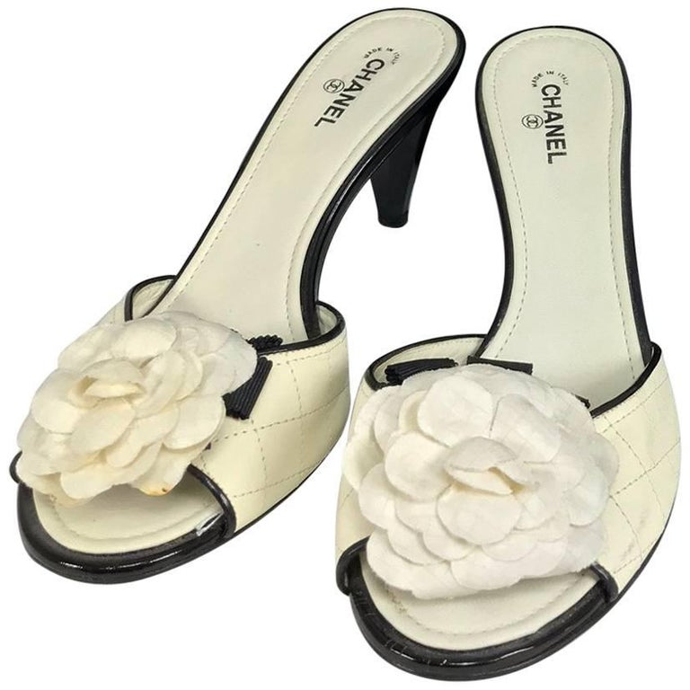 Chanel quilted mules patent heels and Camellia flowers 38 1/2 For Sale