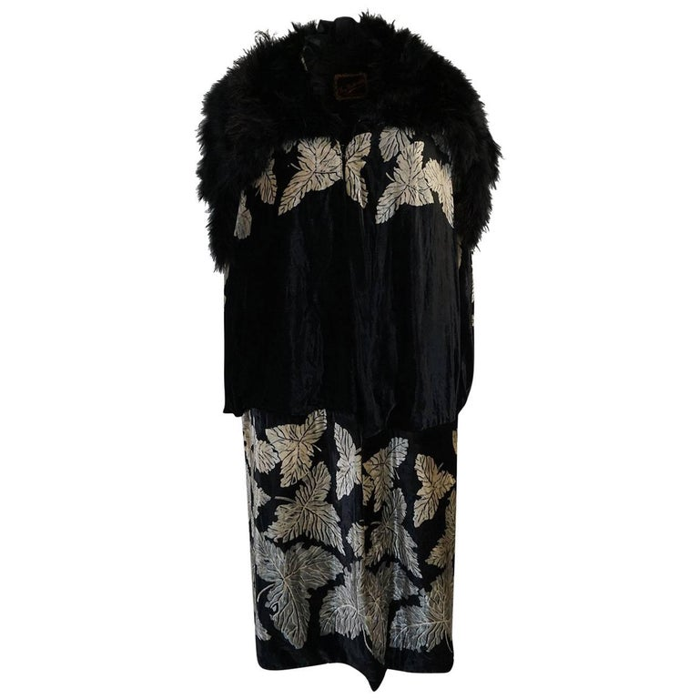 Extraordinary 1920s Evening Velvet & Feather Flapper Coat Cape For Sale