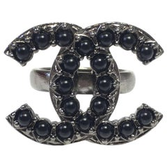 CHANEL CC Ring in Ruthenium Metal, Black Pearl beads Size 52FR
