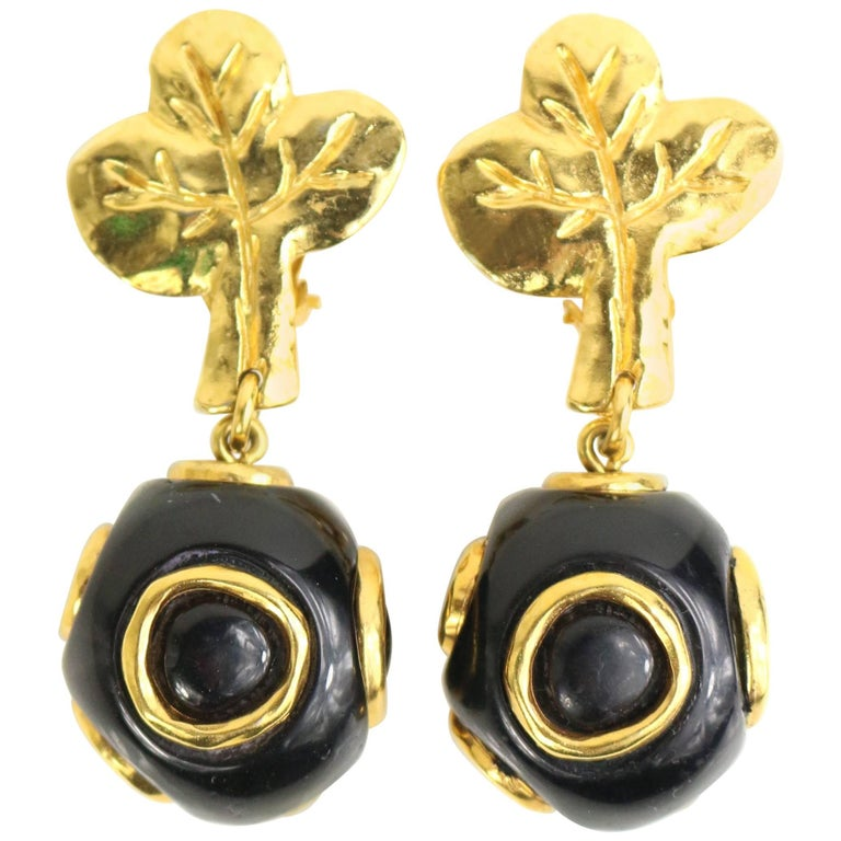 Christian Lacroix Black and Gold-Toned Hardware Clover Clip On Earrings  For Sale