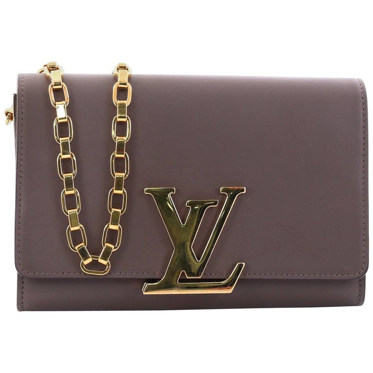 e2e5cbef33c Louis Vuitton Chain Louise Clutch Leather GM at 1stdibs