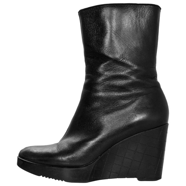 Robert Clergie Black Leather Wedge Ankle Boots Sz 6.5 with Box For Sale