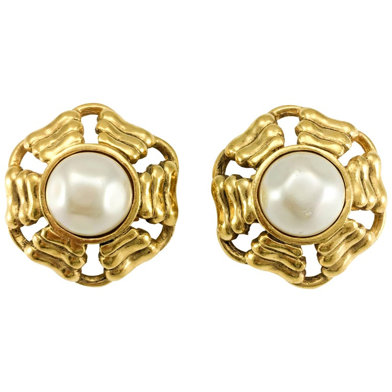Chanel Gold Plated Round Pearl Earrings 1980s For