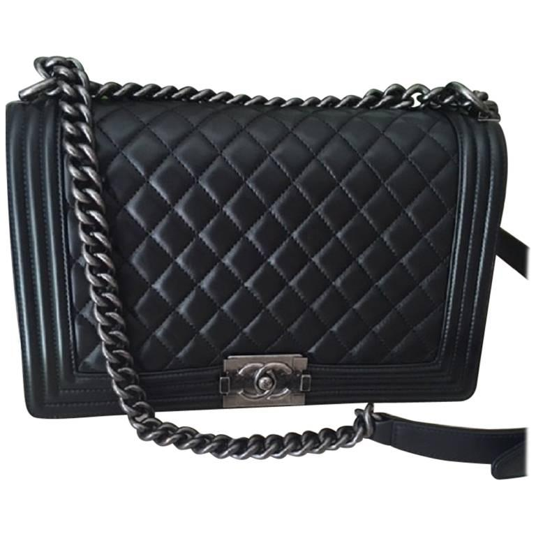 Chanel Black NEW Medium Boy bag with Ruthenium hardware in Gorgeous  Lambskin For Sale
