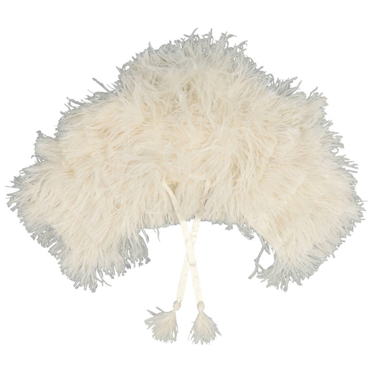 RALPH LAUREN Collection Cream Silk Lined Ostrich Feather Capelet For Sale