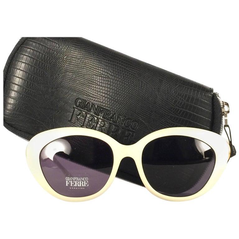 9671581977 New Vintage Gianfranco Ferré Ivory   Rhinestones 1990 s Made in Italy  Sunglasses