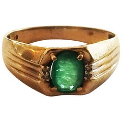 Art Deco Signet ring set with emerald