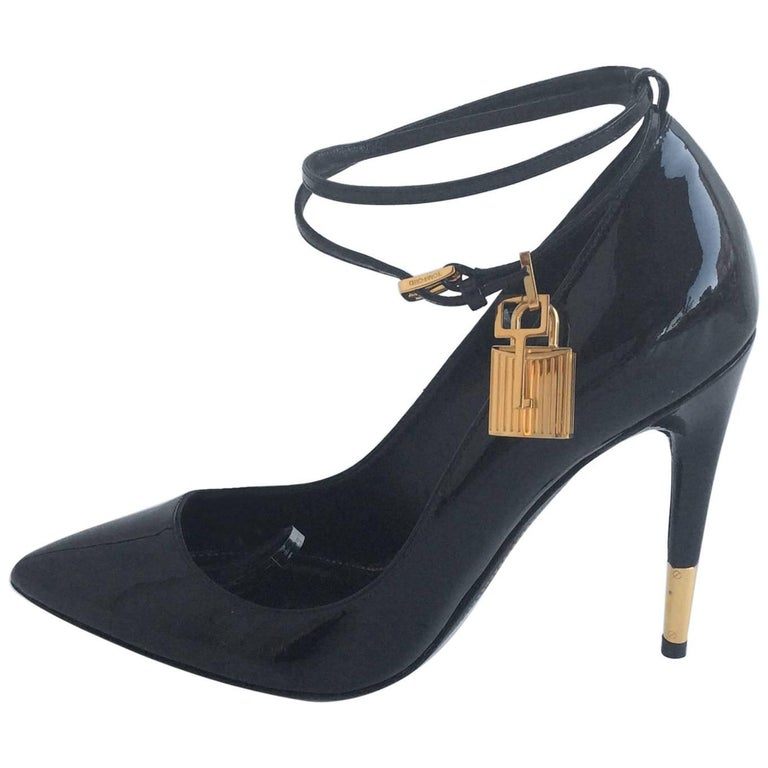 Tom Ford Black Patent Pumps With Ankle Strap And Gold Lock And Key Sz38 (Us 7.5)