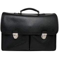 Louis Vuitton 2008 Briefcase in Black Epi Leather With Silver Hardware
