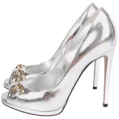 Gucci Peep-Toe Horsebit Pumps - silver
