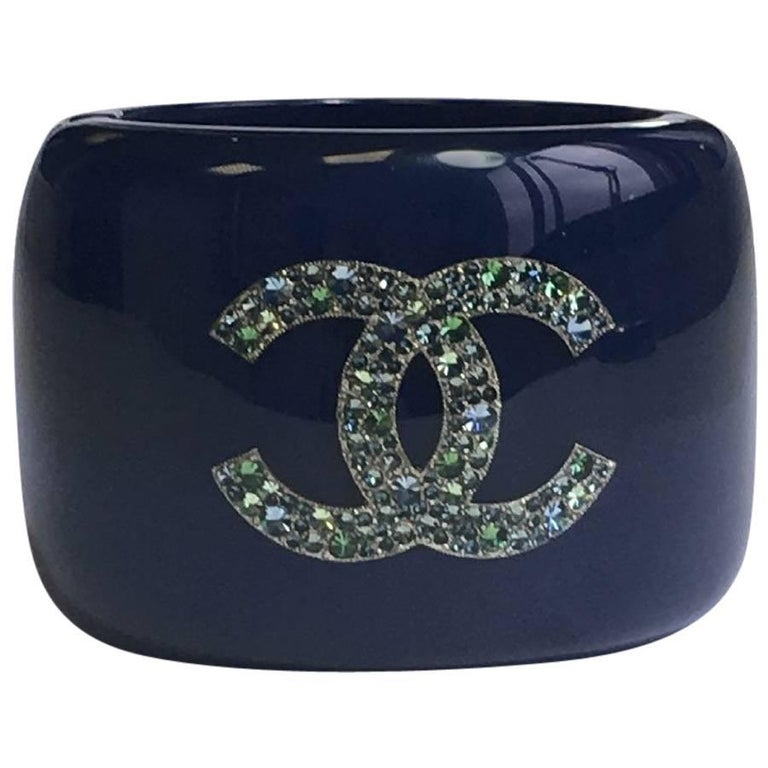 CHANEL Cuff Bracelet in Blue Lacquered Resin and Inclusion of Rhinestones  For Sale a8c8b50f6053