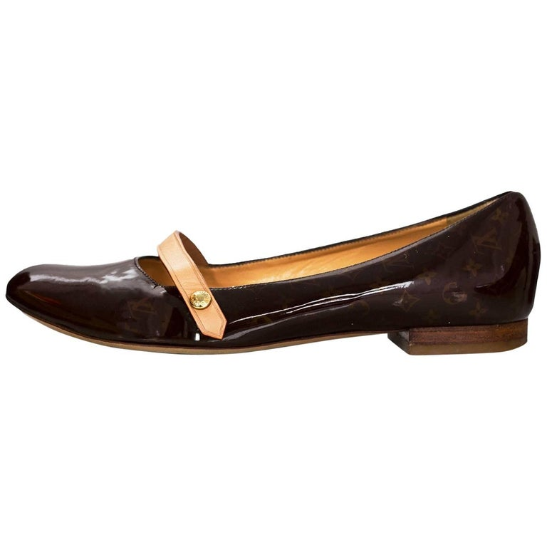 Louis Vuitton Brown Patent Leather Flats Sz 35.5