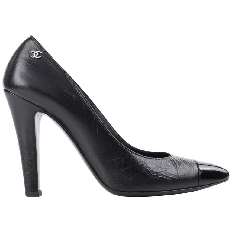 CHANEL Cruise 2014 Black Textured Leather Pointed Cap Toe Pumps Heels