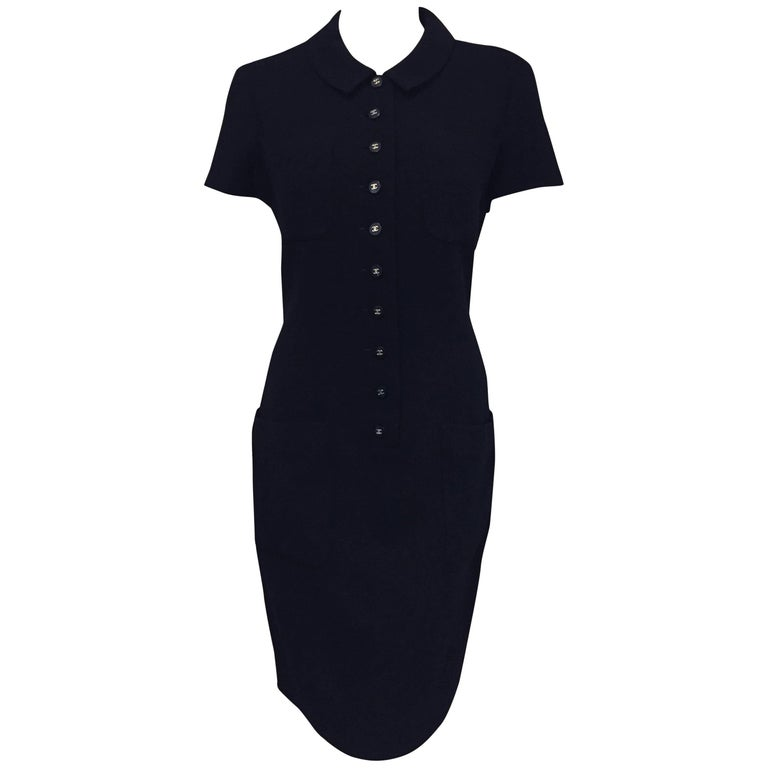 Composed Classic Chanel Boutique 1996 Spring Black Wool Short Sleeve Dress