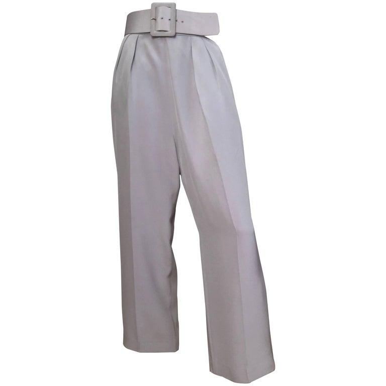 Oscar de la Renta Silver Grey Silk Pleated Pants with Pockets & Belt Size 6. For Sale